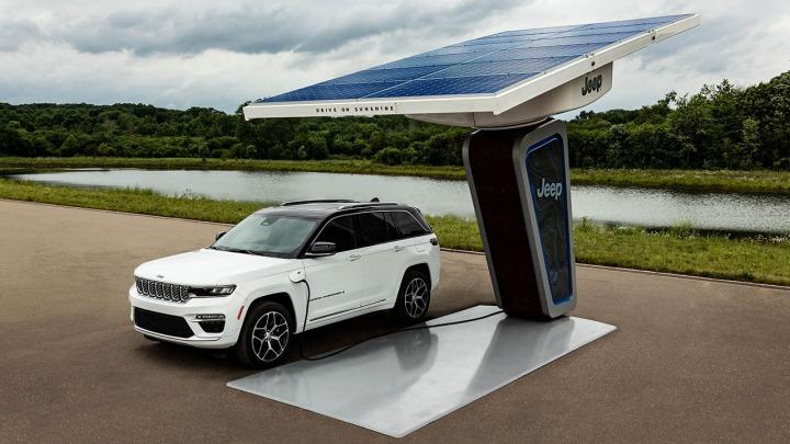 Marka Jeep zaprezentowała pierwsze zdjęcia nowego Grand Cherokee 4xe