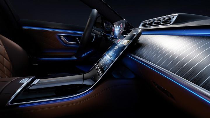 Nowoczesność i komfort Mercedes pokazał wnętrze nowej Klasy S