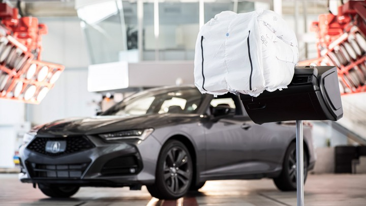 Zobacz jak działa poduszka powietrzna nowej generacji w nowym Acura TLX