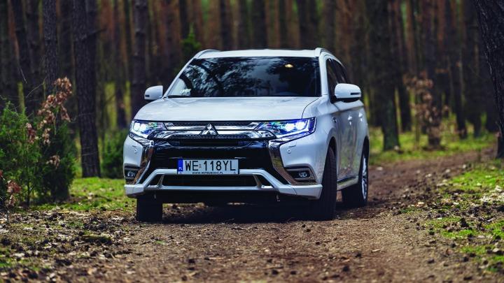 Mitsubishi Outlander PHEV już w polskich salonach