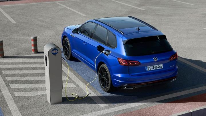 Co Polacy sądzą o bezpieczeństwie aut elektrycznych?