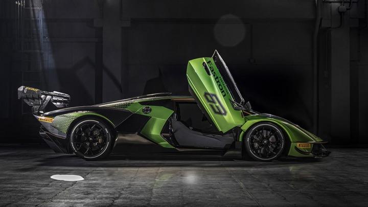 Lamborghini Essenza SCV12 hipersamochód wyłącznie na tor wyścigowy. Wideo