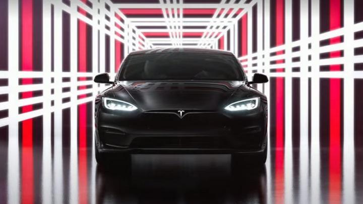 Elon Musk zaprezentował Model S Plaid zdolny do prędkości 0-100 km/h w mniej niż 2 sekundy