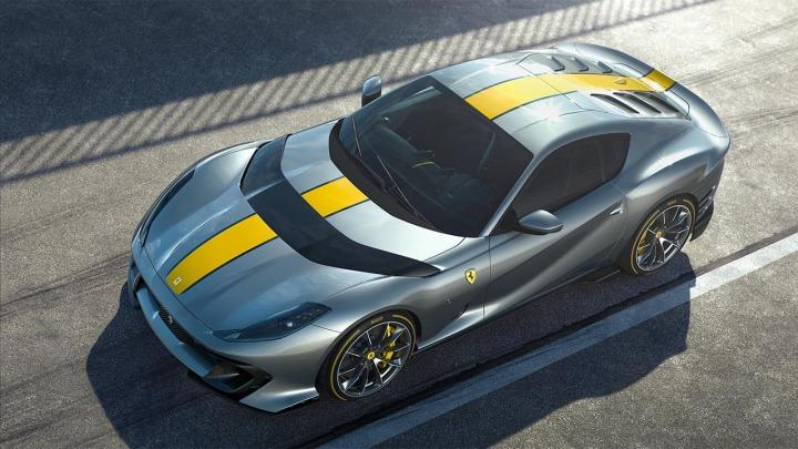 Nowa limitowana edycja Ferrari812 SuperfastV12