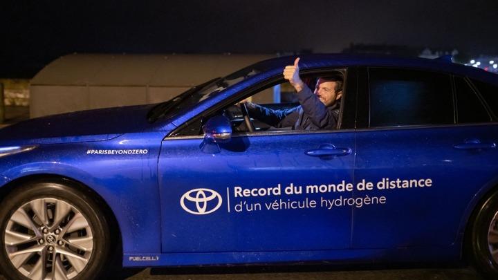 Toyota Mirai bije rekord świata w dystansie pokonanym na jednym tankowaniu wodoru