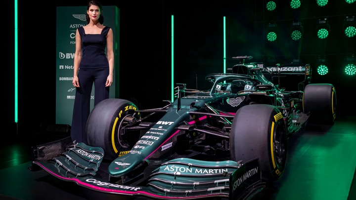 Aston Martin Cognizant Formula One prezentuje oszałamiający nowy bolid AMR21