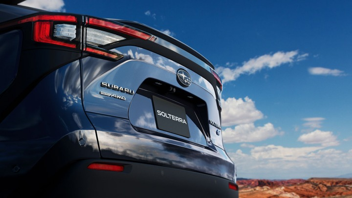 Subaru Solterra nowe informacje na temat pierwszego całkowicie elektrycznego SUV-a marki