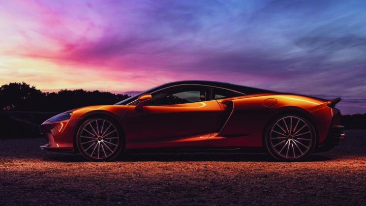 Cała prawda o wyjątkowych i zaawansowanych technologicznie materiałach we wnętrzu McLarena GT