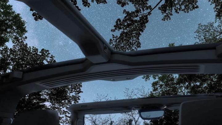 GMC pokazał usuwany dach przyszłości swojego nowego HUMMER-a EV