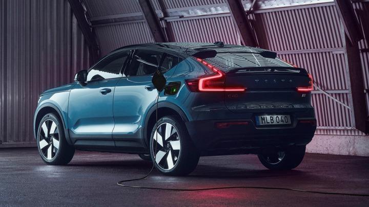 Volvo wprowadza nowy, całkowicie elektryczny model Volvo C40Recharge