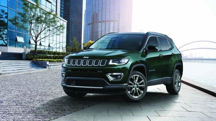 Nowy Jeep Compass teraz bardziej zaawansowany technologicznie i połączony