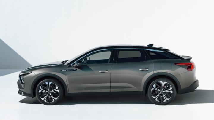 Citroen C5 X sedan nowej generacji