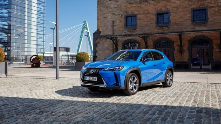 Lexus UX 300e  w pełni elektryczny nowy miejski crossover