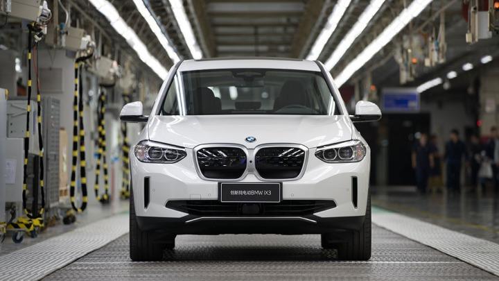 Rozpoczęcie produkcji całkowicie elektrycznego BMW iX3